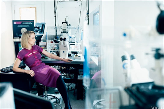 marissa-mayer-lab-vogue-blogsize
